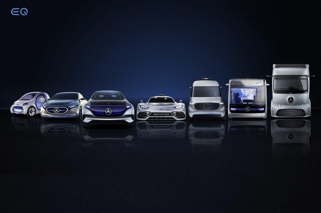 En la imagen aparecen varios coches de Daimler AG
