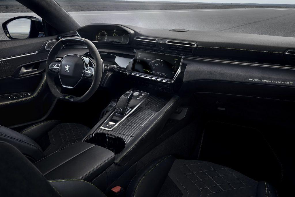 Llamativo interior el del concept del Peugeot 508 desarrollado por Peugeot SPort