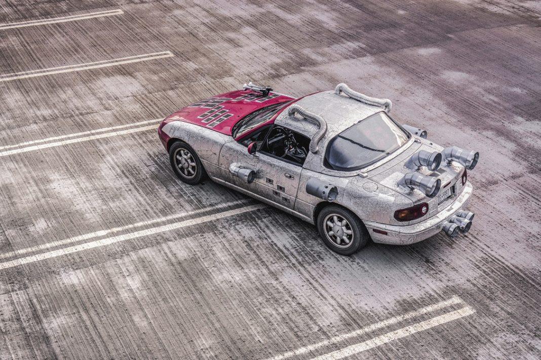 Imagen de un Mazda MX5 de primera generación tuneado