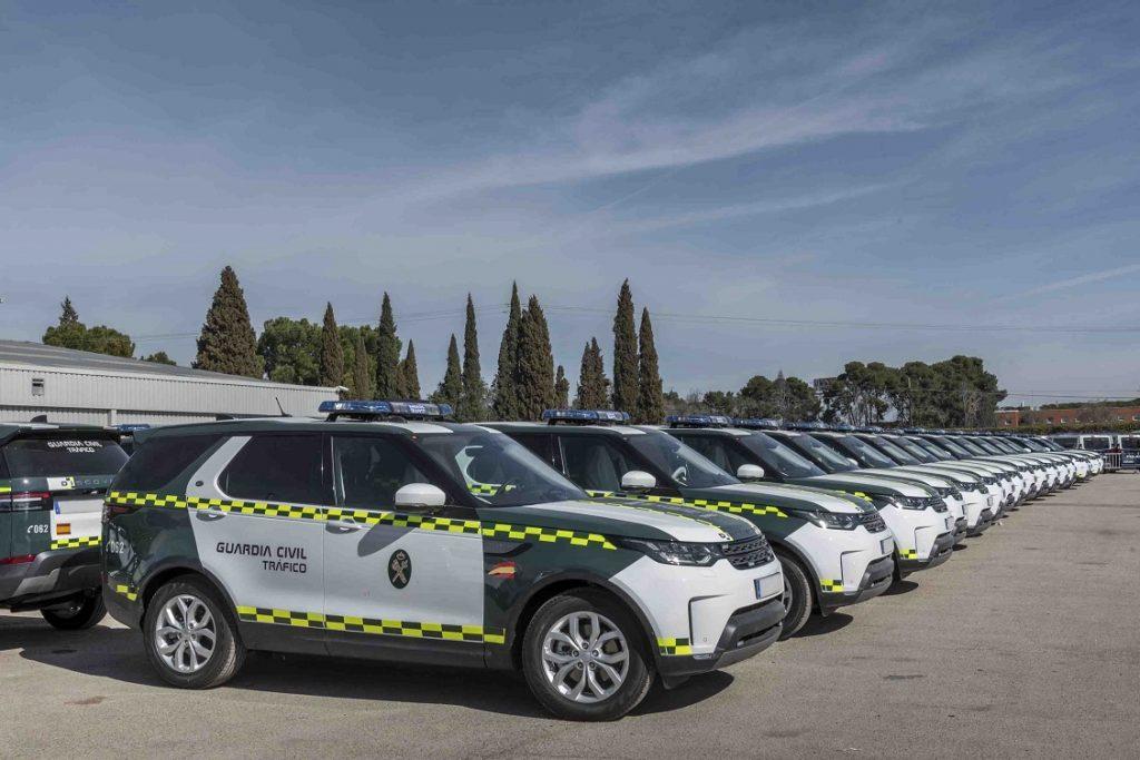 Imagen de los Land Rover Discovery adquiridos por la GUardia Civil