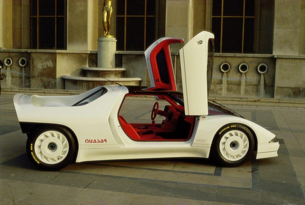 Imagen de un Peugeot Quassar con las puertas abiertas