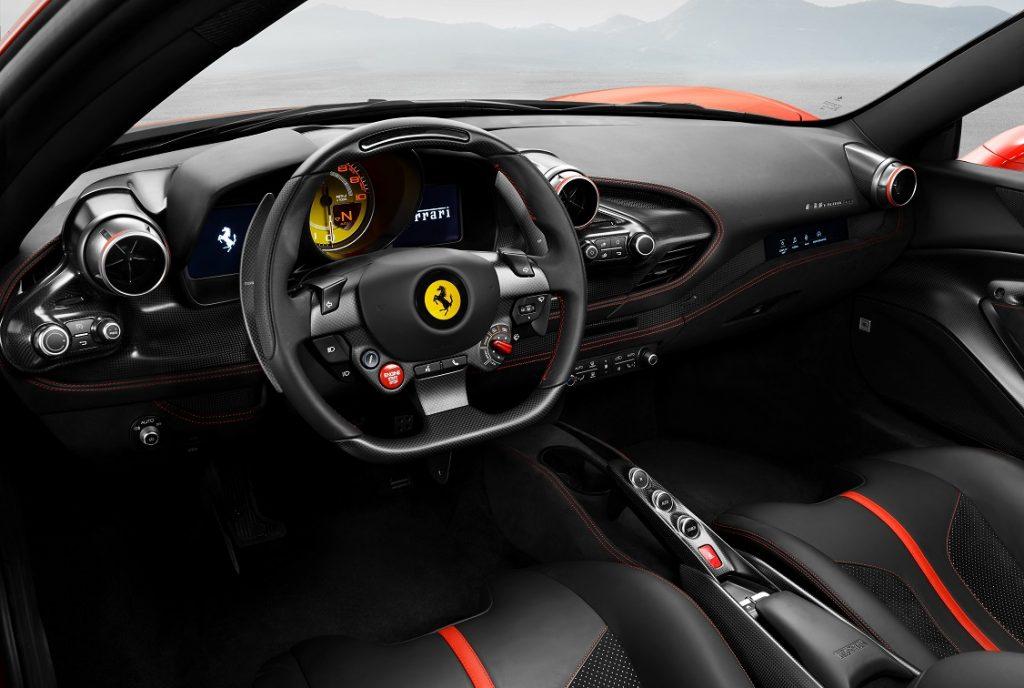 Imagen del Ferrari F8 Tributo por dentro