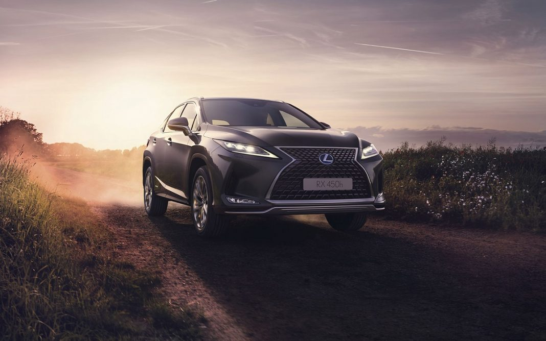 Imagen frontal del Lexus RX 2020
