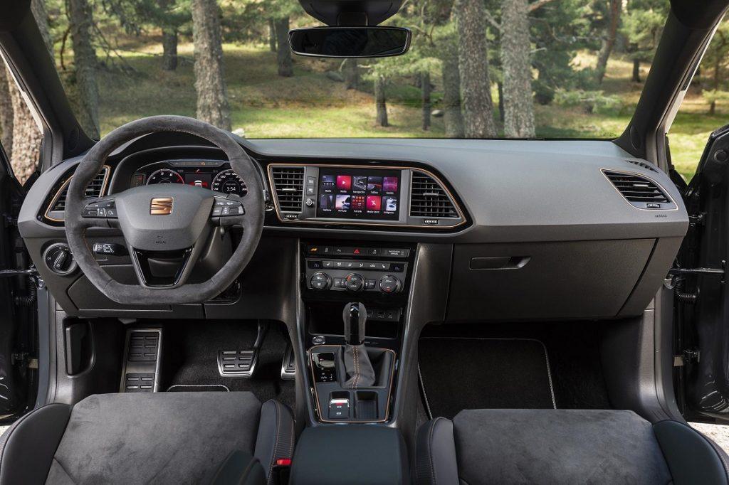 Salpicadero del Seat León ST Cupra R