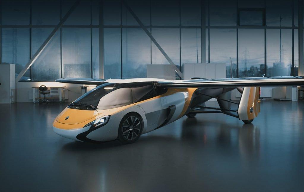 Imagen del Aeromobil aparcado en un hangar