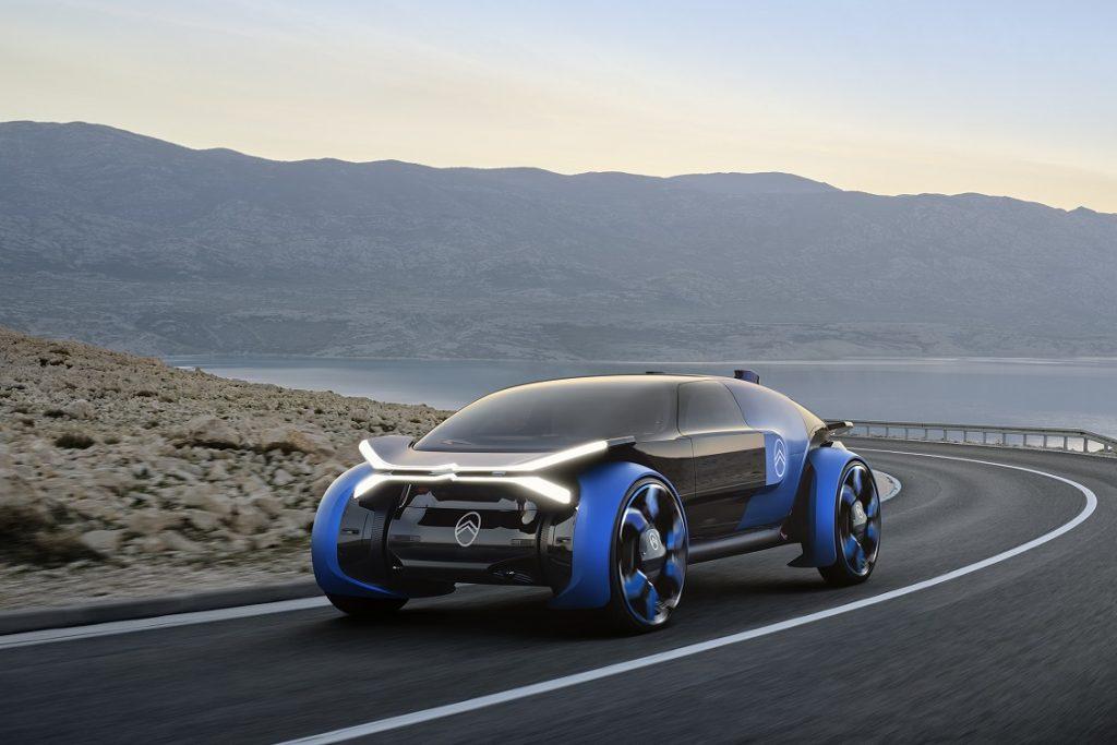 Imagen en carretera y tres cuartos delantero del nuevo concept Citroën 19_19