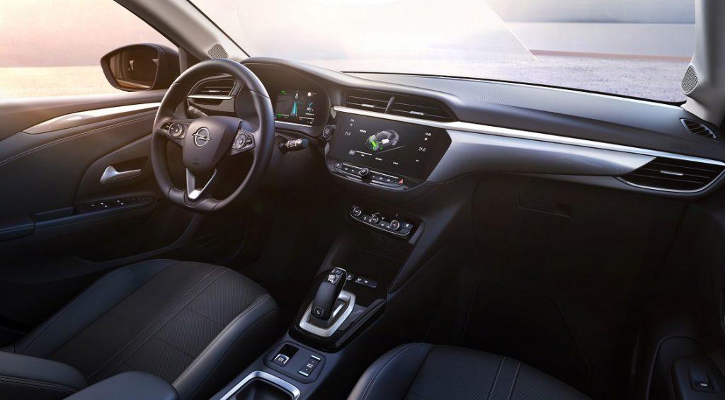 Imagen de un Opel Corsa eléctrico interior