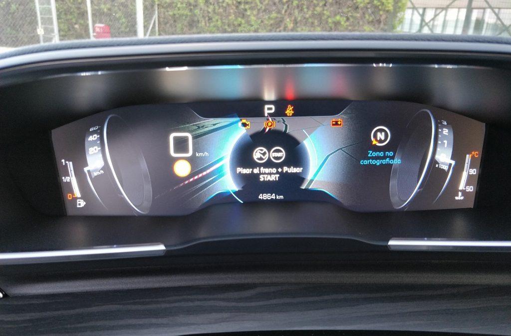 Imagen de la instrumentación del Peugeot 508 GT