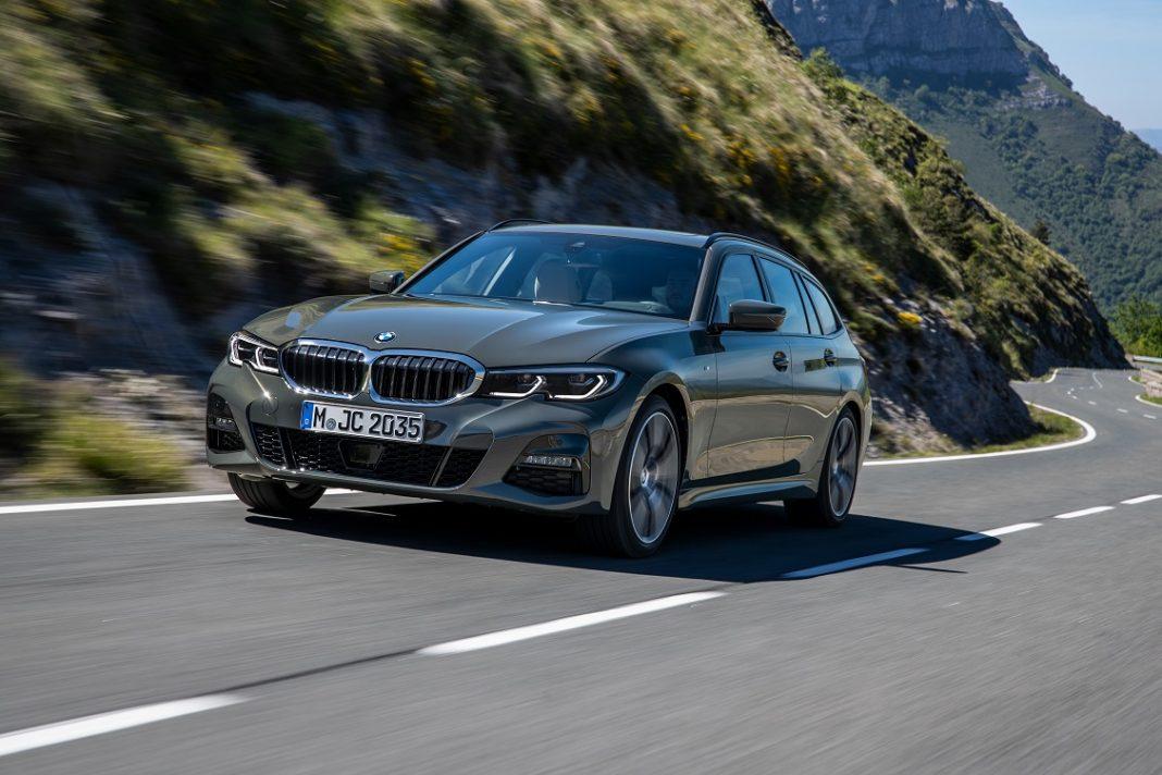 Imagen tres cuartos frontal del BMW Serie 3 Touring