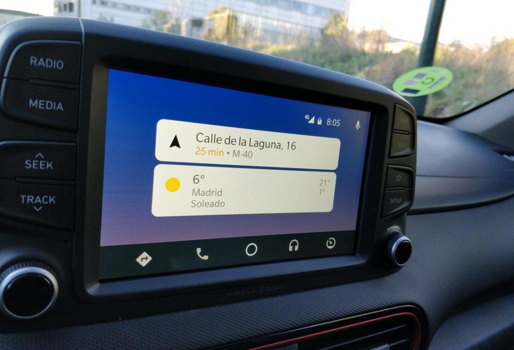 detalle del sistema multimedia con Android Auto del Hyundai Kona