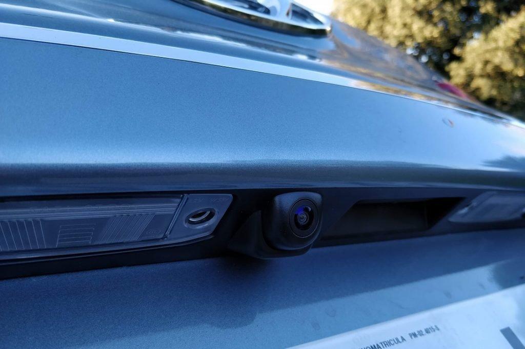 Detalle de la cámara de ayuda al aparcamiento del Hyundai Kona