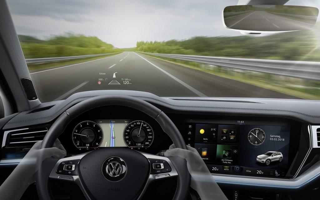 Ilustración del sistema HUD del VW Touareg