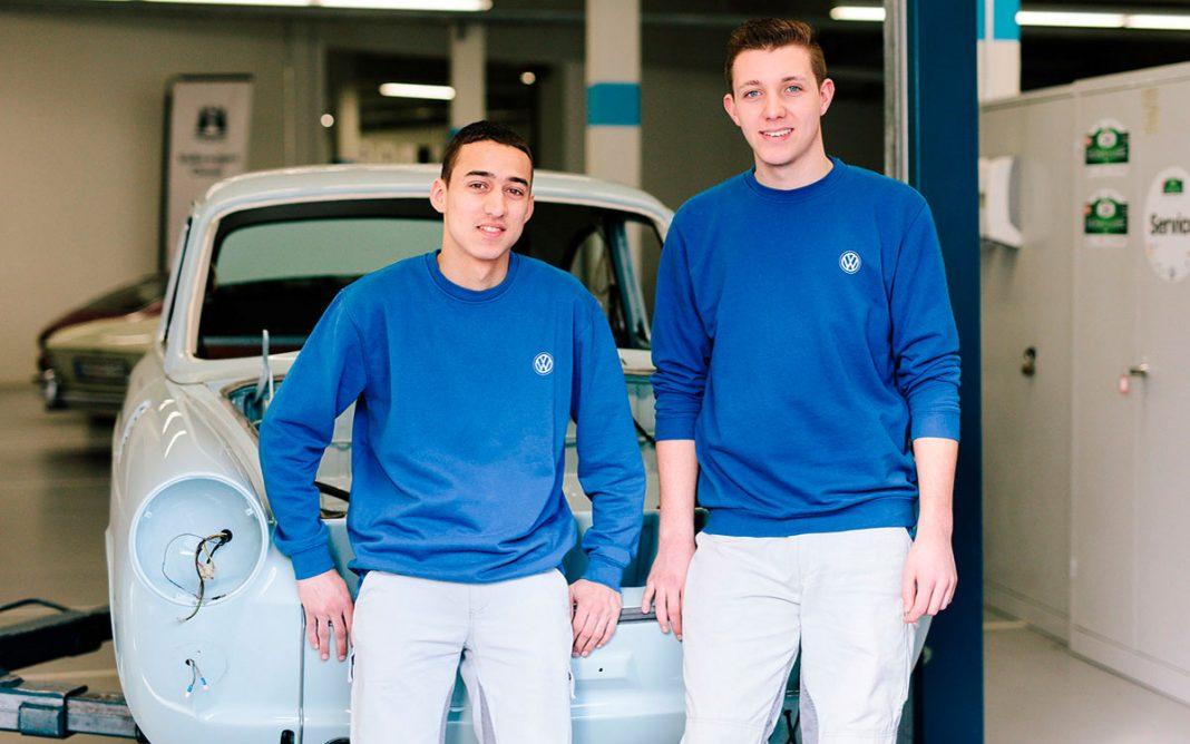 Imagen de dos aprendices de Volkswagen