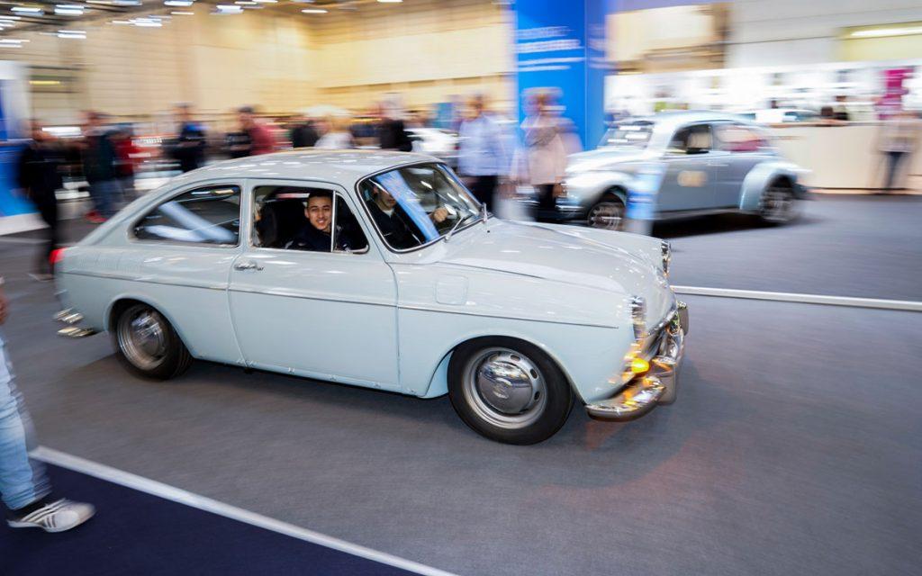El VW 1600 TL restaurado y funcionando en la feria Techno Classica de Essen