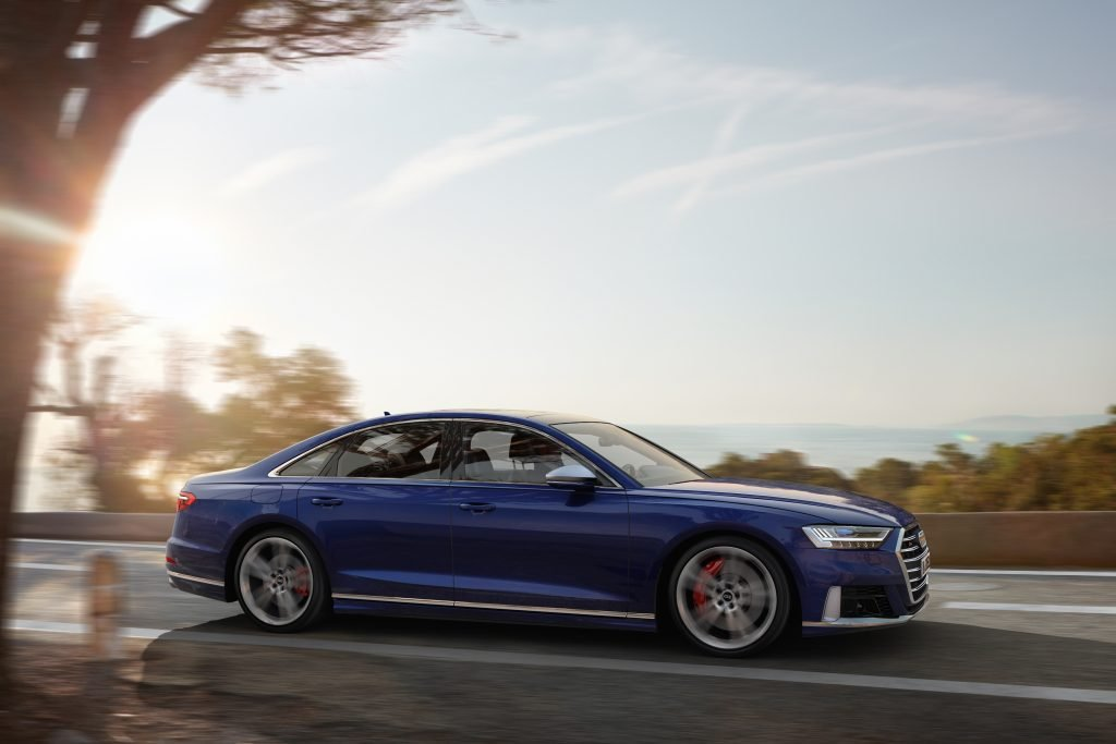 Audi S8 lateral
