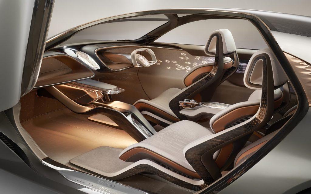 Imagen del interior del Bentley EXP 100 GT