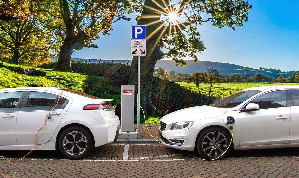 Poste de carga de coches eléctricos