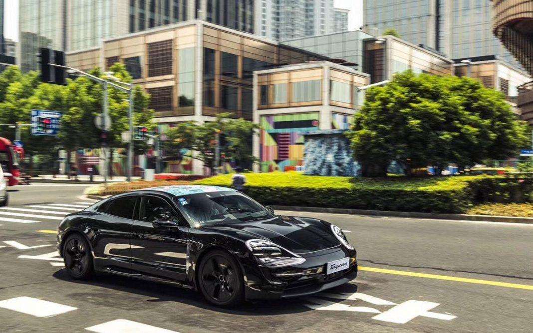 Imagen del prototipo Porsche Taycan