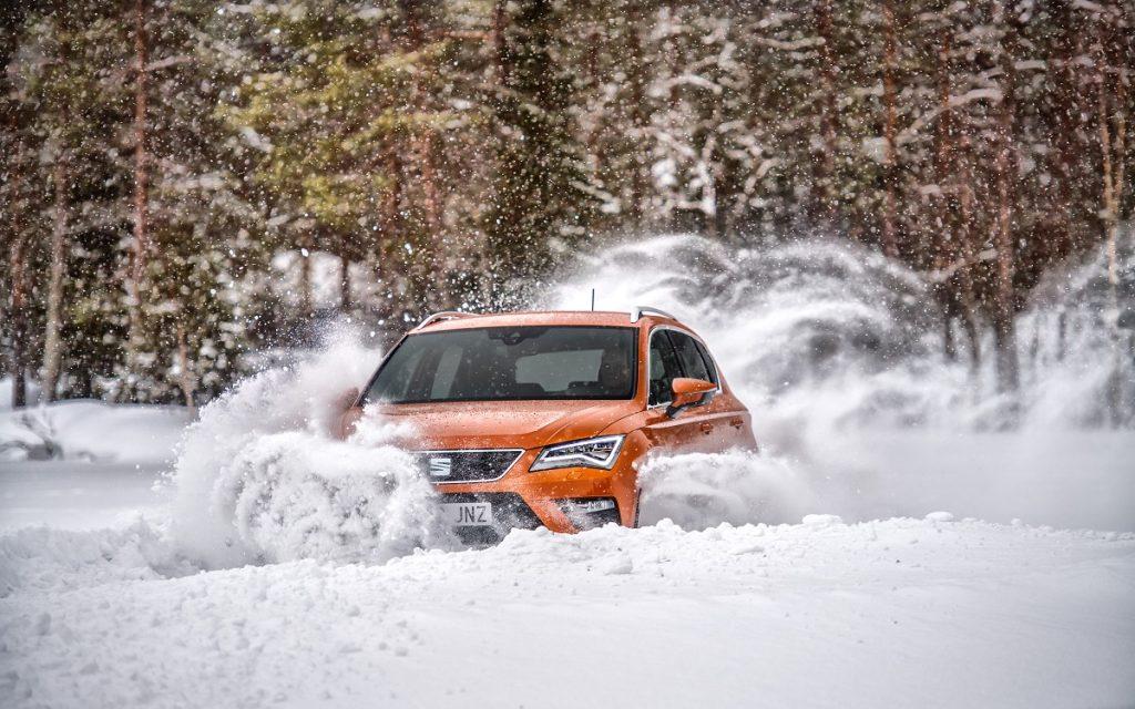 Imagen de un Ateca en la nieve