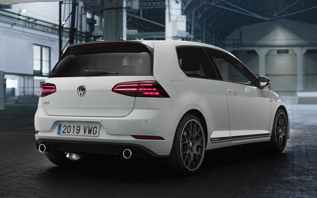 Imagen tres cuartos posterior del VW Golf GTI The Original