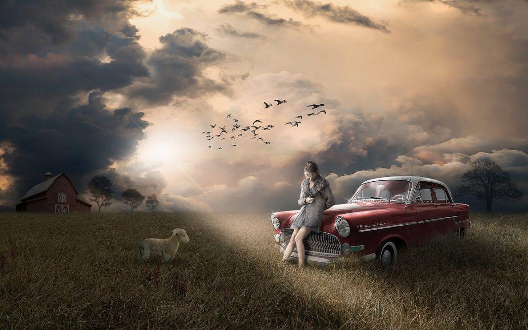 Imagen artística de una persona con su coche