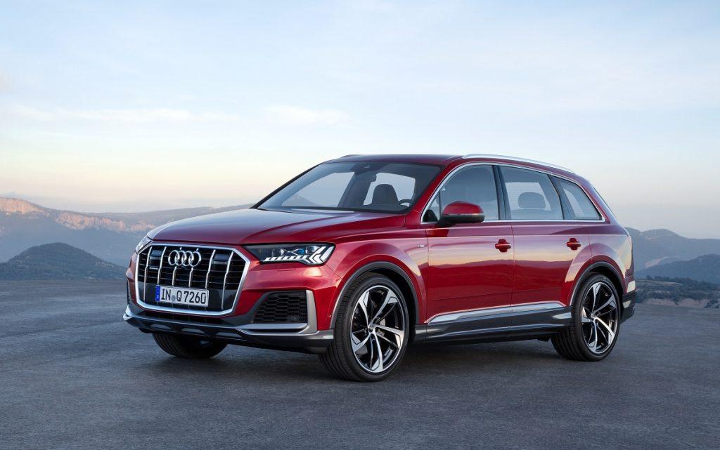 Imagen del Audi Q7 2019 rojo tres cuartos delantero