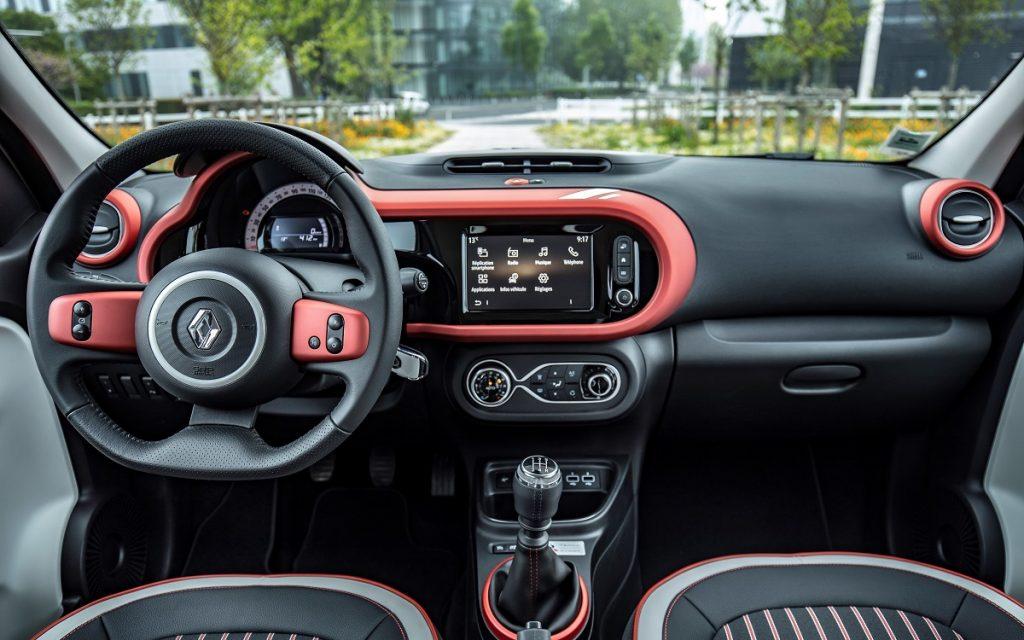 Imagen del nuevo Renault TWINGO Le Coq Sportif por dentro