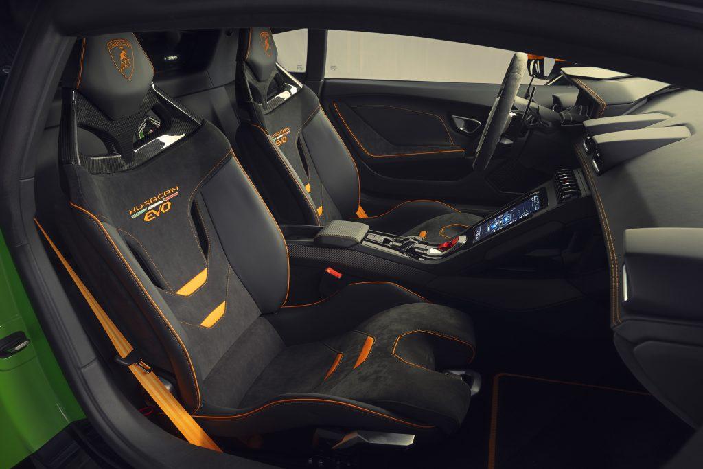 Lamborghini Huracán EVO Competition interior lateral
