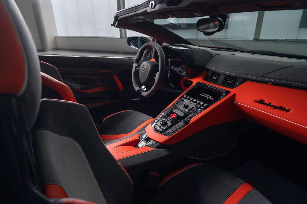Lamborghini Aventador SVJ63 Roadster interior lateral