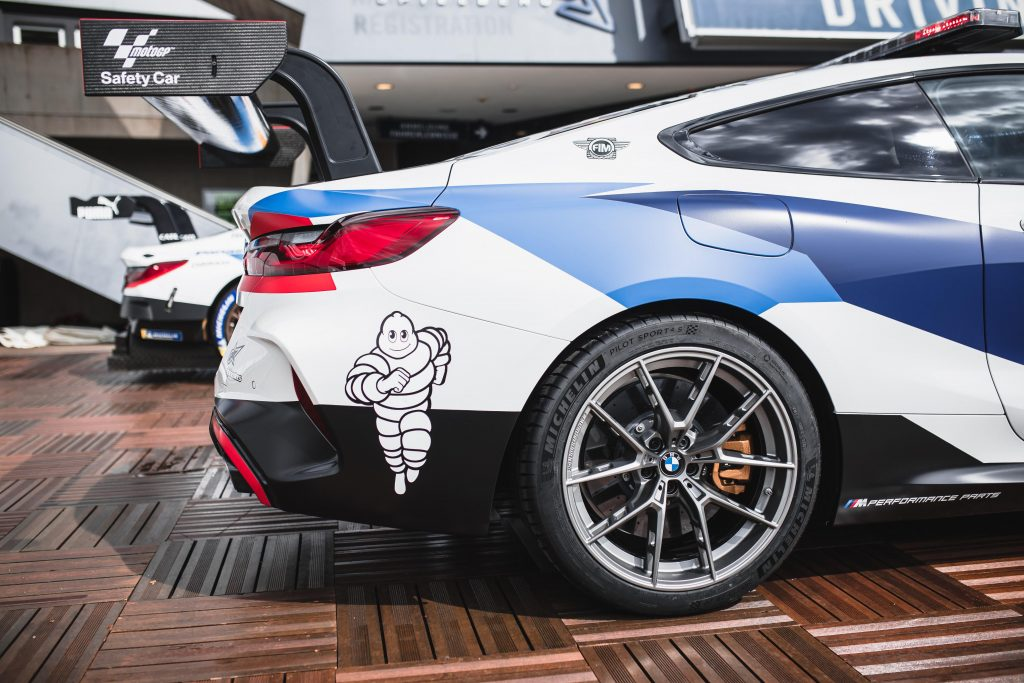 BMW M8 Safety Car MotoGP llanta trasera