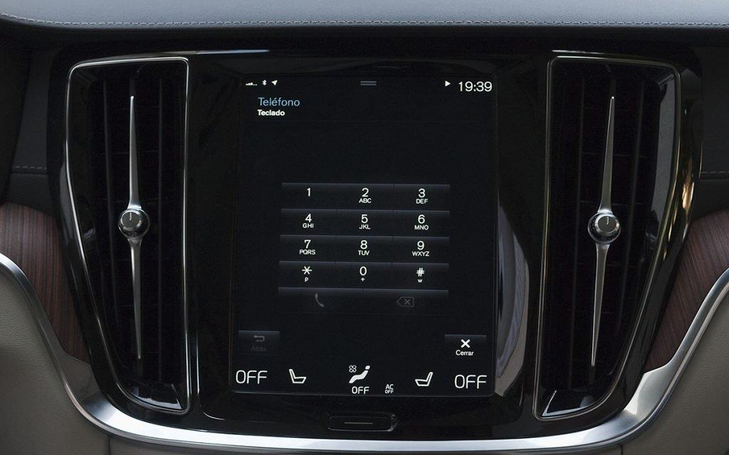 Pantalla del teclado telefónico del Volvo V60 Cross-Country