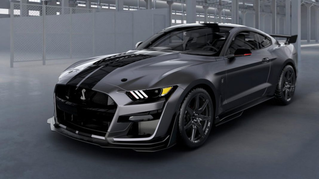 Ford Mustang Shelby GT500 tres cuartos