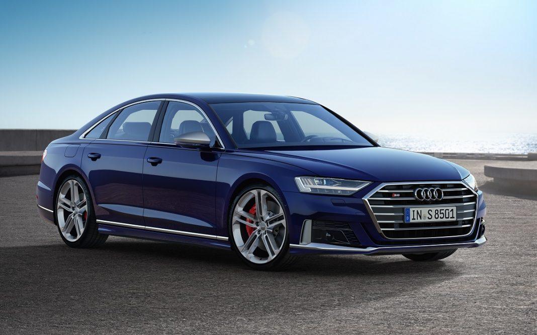 Imagen tres cuartos delantero del nuevo Audi S8
