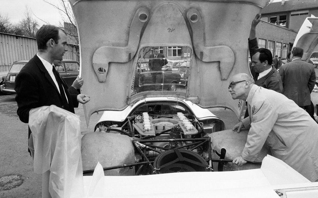 Ferdinand Piëch con el Porsche 917