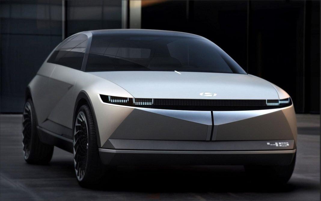 Imagen frontal del Hyundai EV 45 Concept