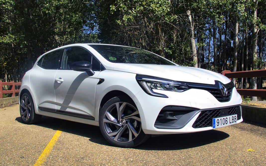 Imagen frontal del Renault Clio V