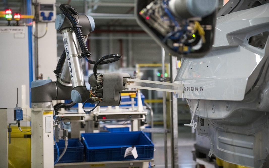 Imagen de un robot en la fábrica de Seat en Martorell