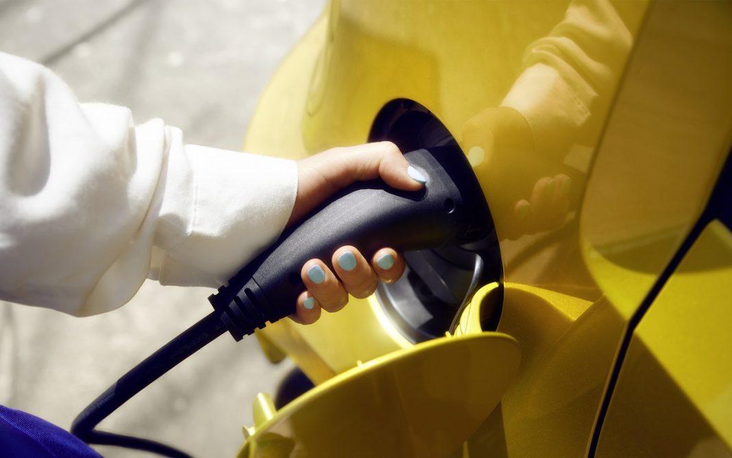 Volkswagen e-UP! recargando la batería