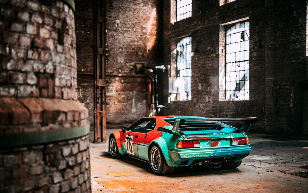 Imagen posterior del BMW M1 Art Car pintado por Andy Warhol