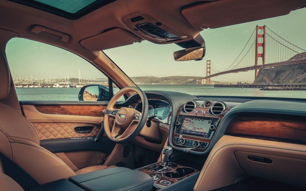 Interior del Bentley Bentayga Hybrid