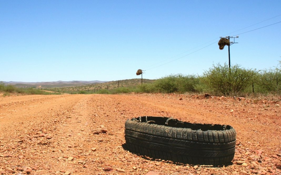 Imagen de un neumático abandonado