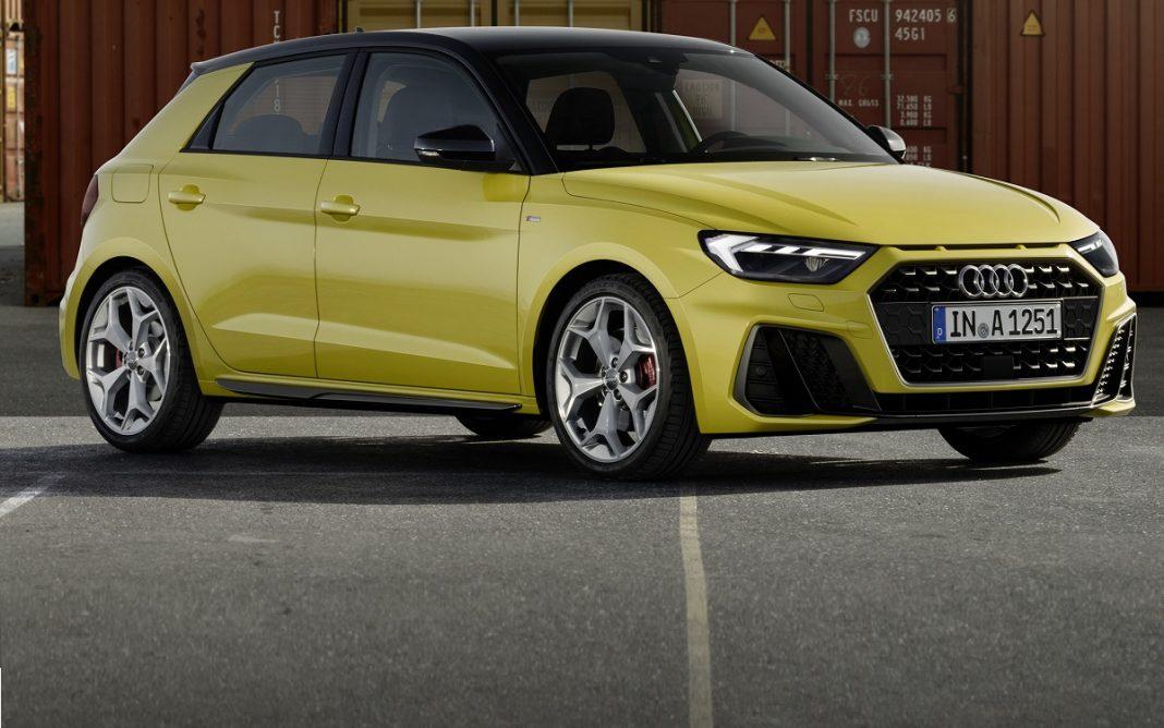 Imagen de un Audi A1 Sportback con pintura de color amarillo.