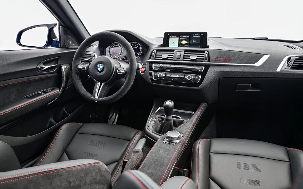 Imagen interior del BMW M2 CS.