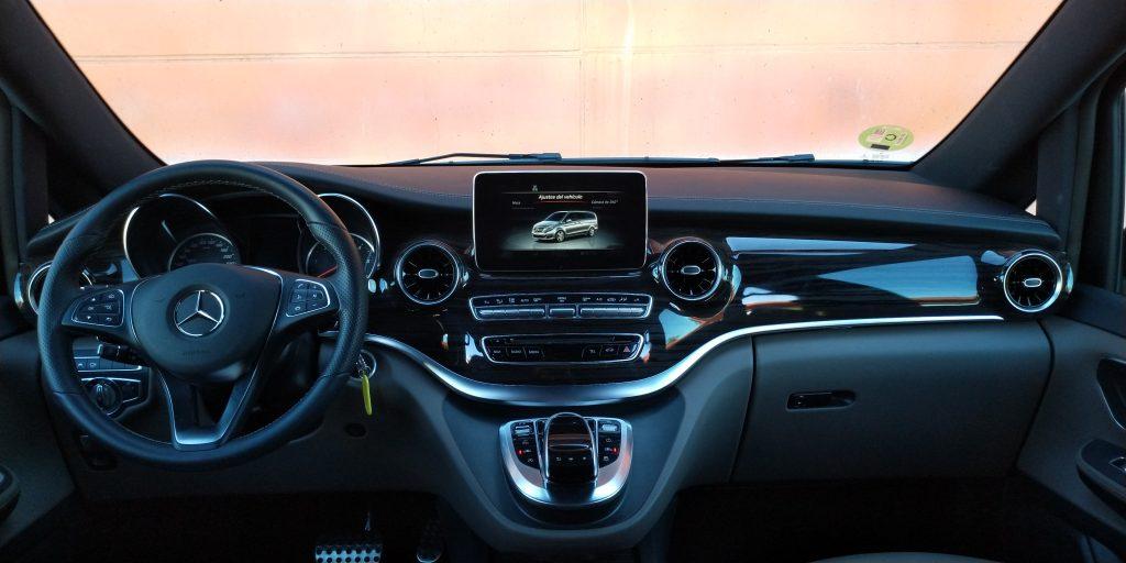 Vista del salpicadero del Mercedes Clase V