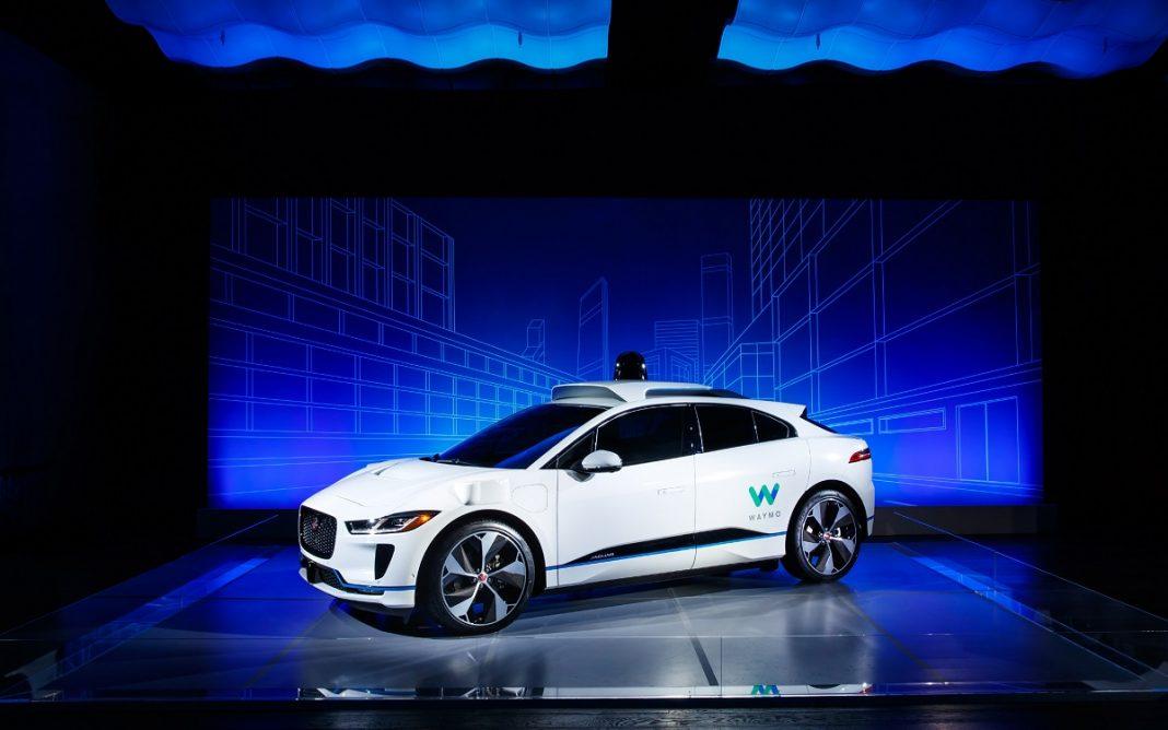 Imagen de un Jaguar i-Pace autónomo