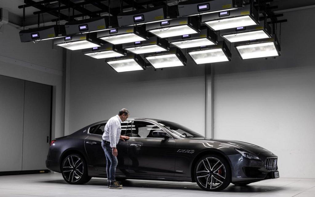 Sala de investigación en el Maserati Innovation Lab