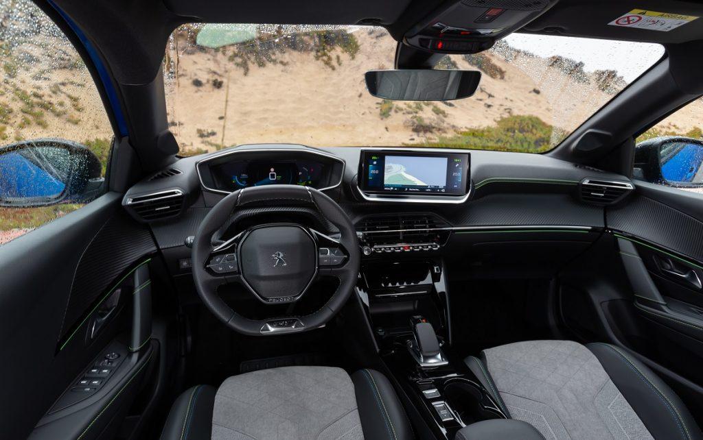 Interior de un Peugeot e208