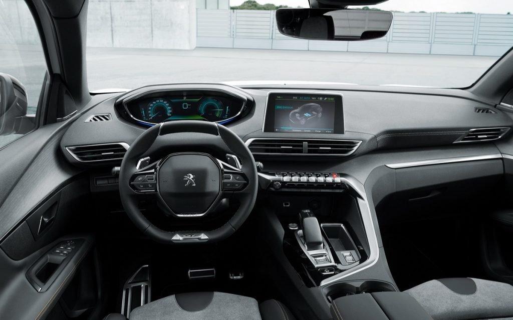 Interior del Peugeot 3008 Hybrid4
