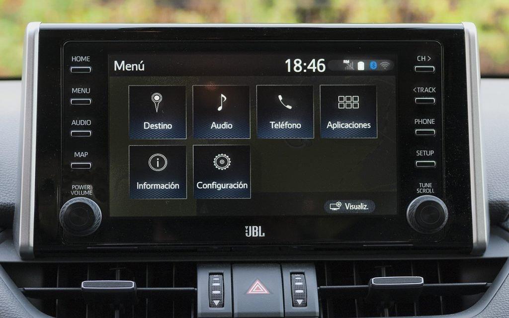 Menú principal del sistema multimedia del Toyota RAV4