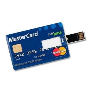 Imagen de una memoria USB con forma de tarjeta de crédito